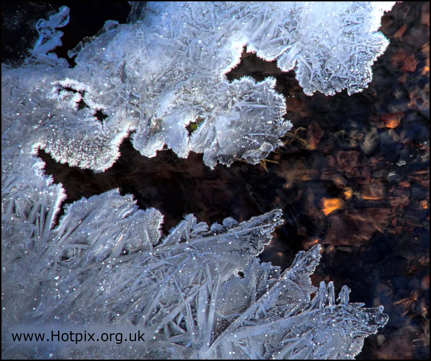 ice,winter,icicle,cold,freeze,freezing,january,britain,northwich,cheshire,uk,gb,england,white,water,river,pattern,abstract,hotpix!