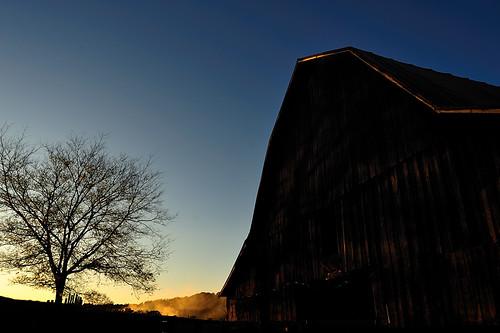 sunset barn rural landscape farm tennessee country farmland land tobacco jamesatkinson d700 nikkor1835mmf3545difed nikond700