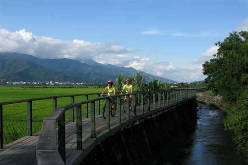 Dapo Pond Bicycle Route, Chihshang | by adventurocity