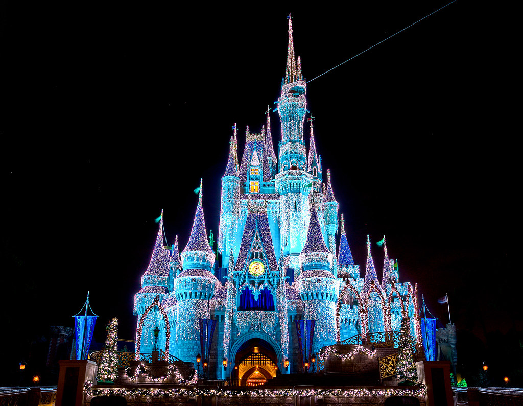 Cinderella Castle Christmas.Christmas At Cinderella Castle Wdw Walt Disney World The