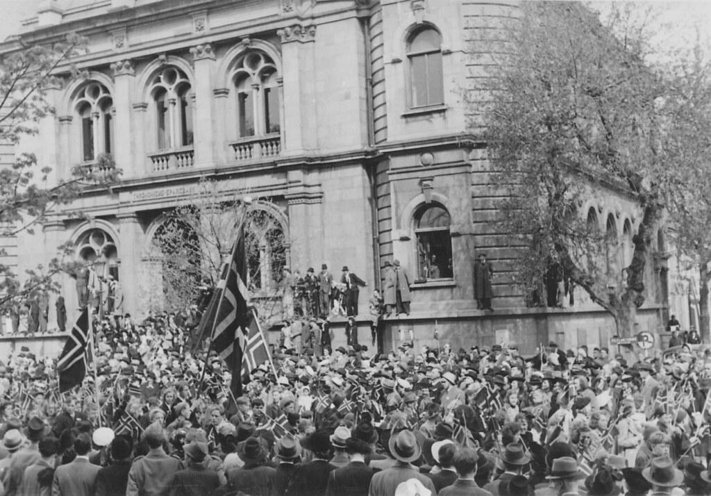 Hurra for Grunnlovsdagen, 17 Mai! (1945)