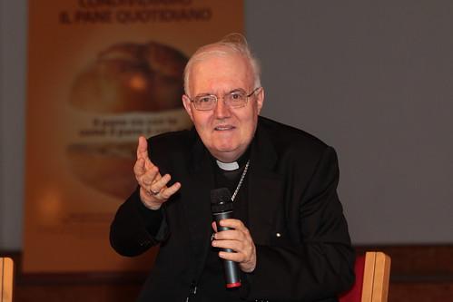 Mons. Cesare Nosiglia all'Università del Dialogo