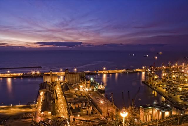 09Amanece en el puerto-Barcelona