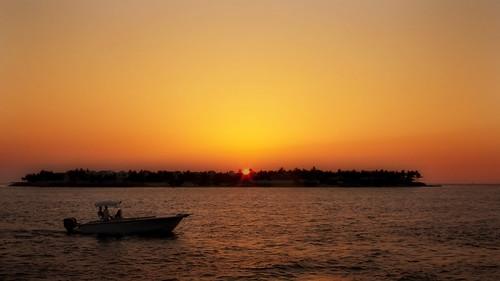 sunset orange usa sun gulfofmexico water canon square island boat key waterfront gulf florida f100 powershot celebration fl keywest canonpowershot mallorysquare sunsetcelebration v1000 g9 flickrdiamond canonpowershotg9 anadelmann nxpl
