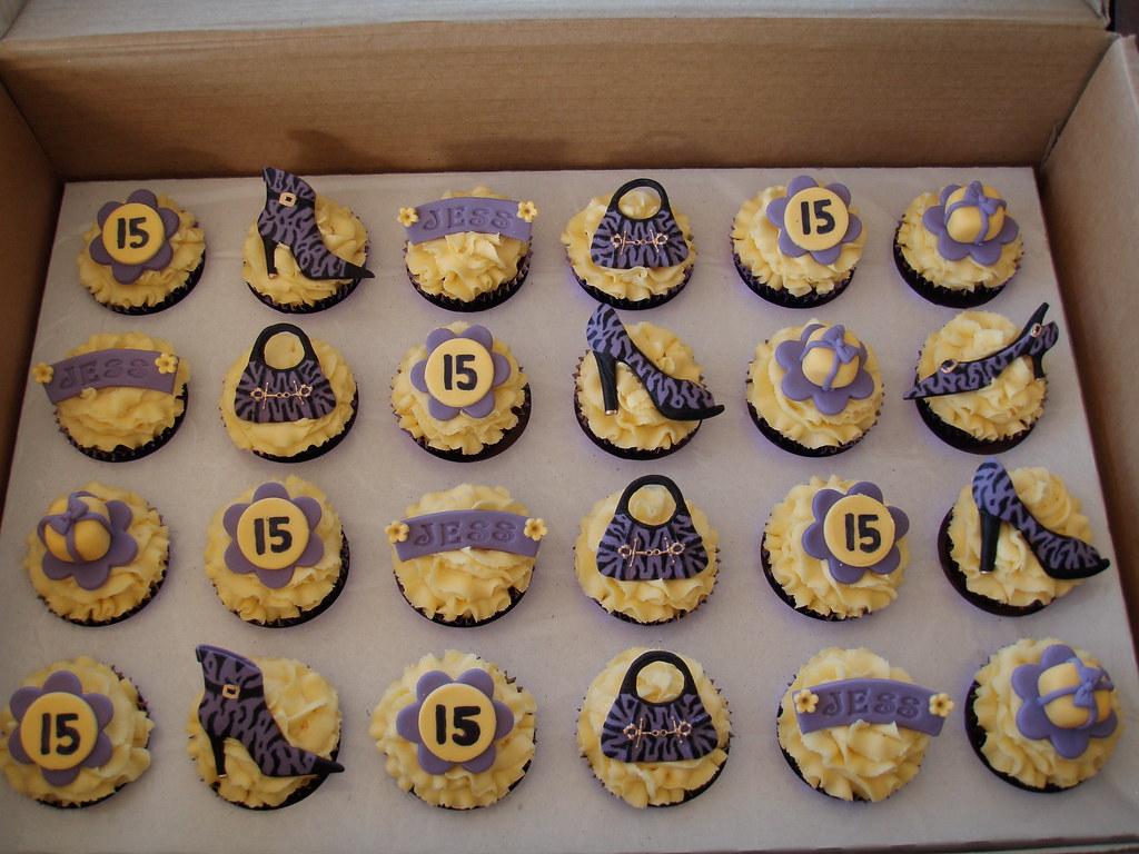 Amazing Mossys Masterpiece Jesss 15Th Birthday Cupcakes Flickr Funny Birthday Cards Online Amentibdeldamsfinfo