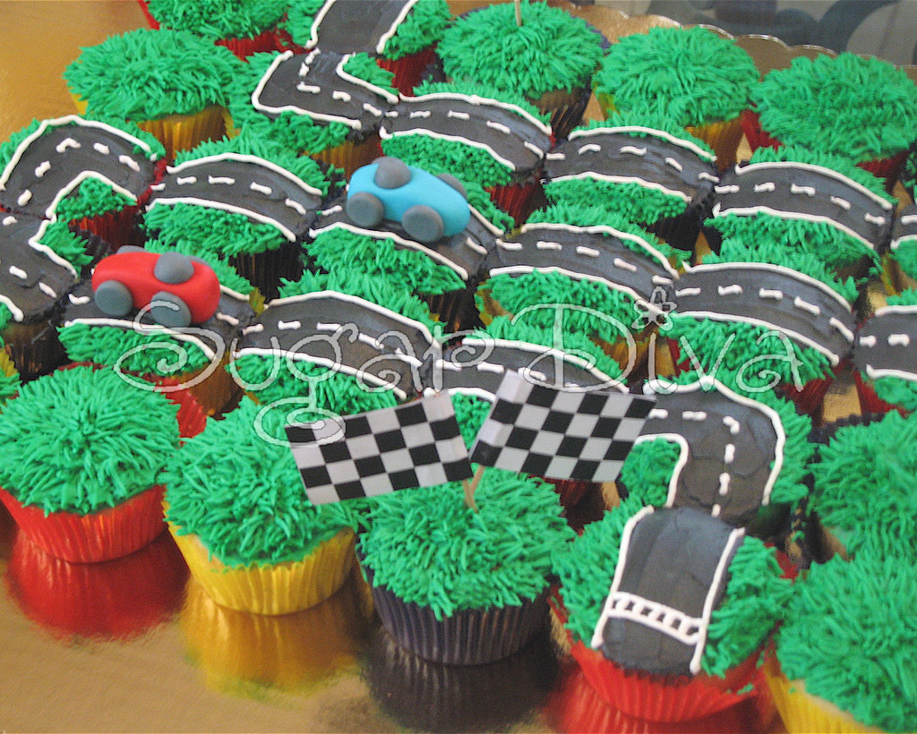 Race Car Cupcakes Vanilla Cupcakes For A Little Boy S 4th Flickr