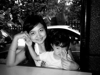 flo & mom