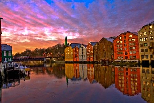 reflection water colors norway sunrise canon river mirror norge colours warehouse trondheim hdr nidelva bakklandet brygge soloppgang 40d efs1755mmf28isusm