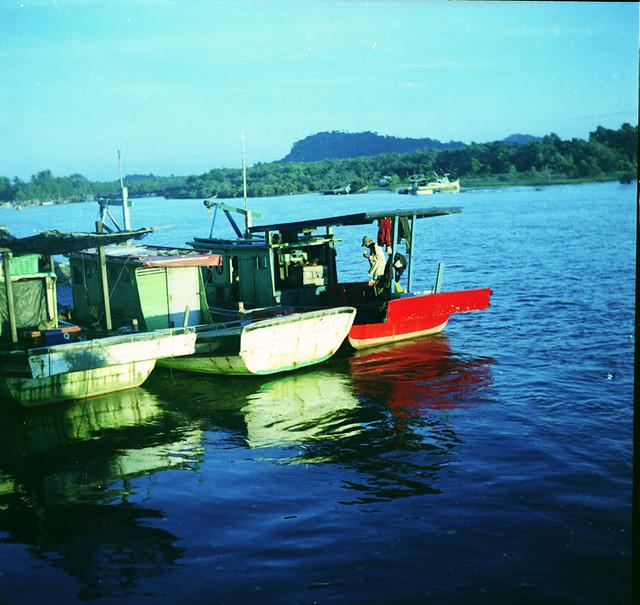 Lubitel 2 : Strange Colours Boats At Kuala Kerteh