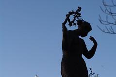 Leiden statue