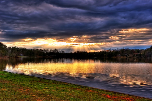 Oak Hollow Lake, High Point  NC | by Jeanette Runyon