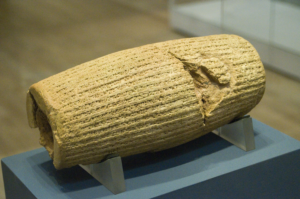 Happy Cyrus The Great Day 2009 !!!