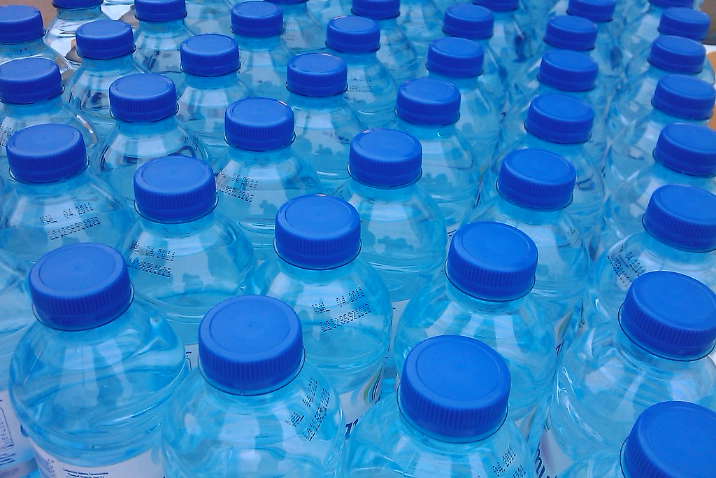 plastic water bottles | photo by ricardo / zone41.net This p… | Flickr