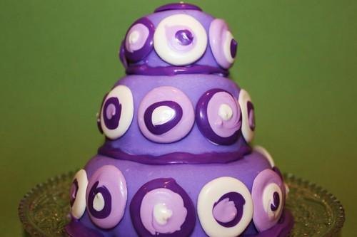 retro purple cake green | by MiraUncutBlog