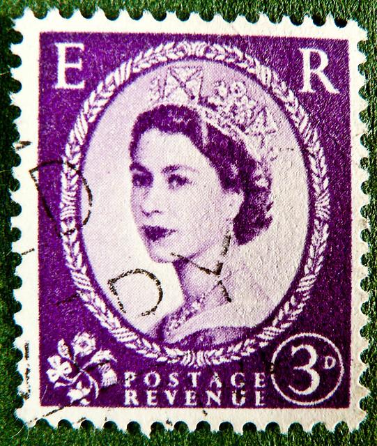old England english stamp E R wilding magenta lilac 3p 3D purple violet queen QEII elisabeth royal pence penny elizabeth england uk great britain united kingdom postage revenue porto timbre bollo sello marke briefmarke Windsor pre decimal predecimal stamp