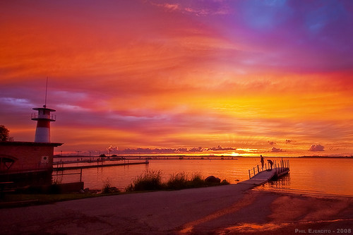 sunset lighthouse madison tenneypark lakemendota