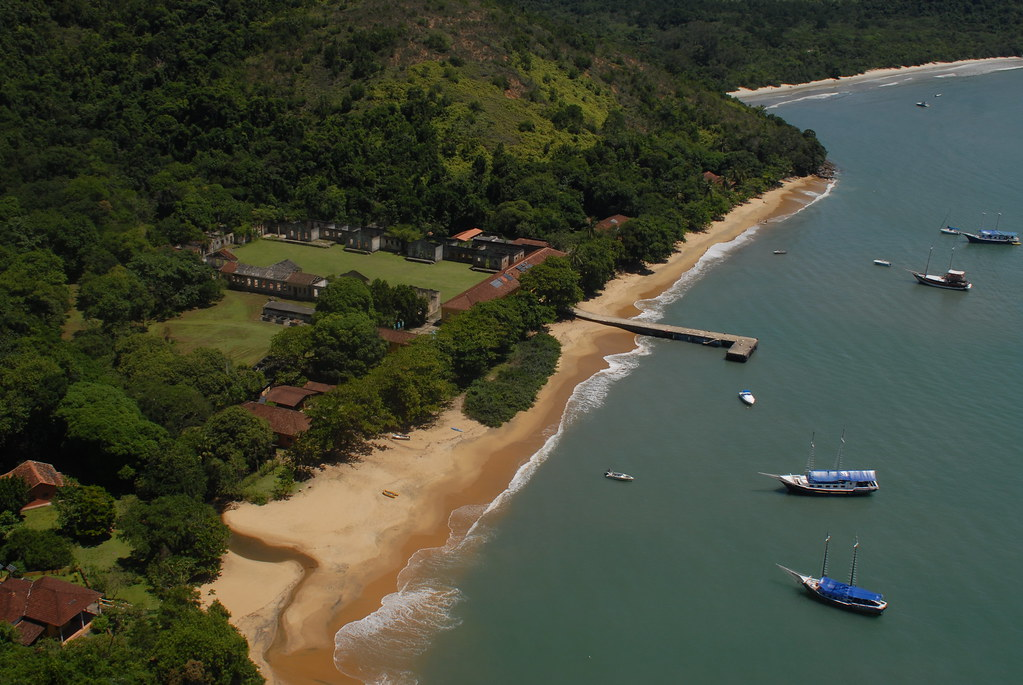 Ilha Anchieta - Ubatuba, Brazil | Aerial view of Anchieta is… | Flickr