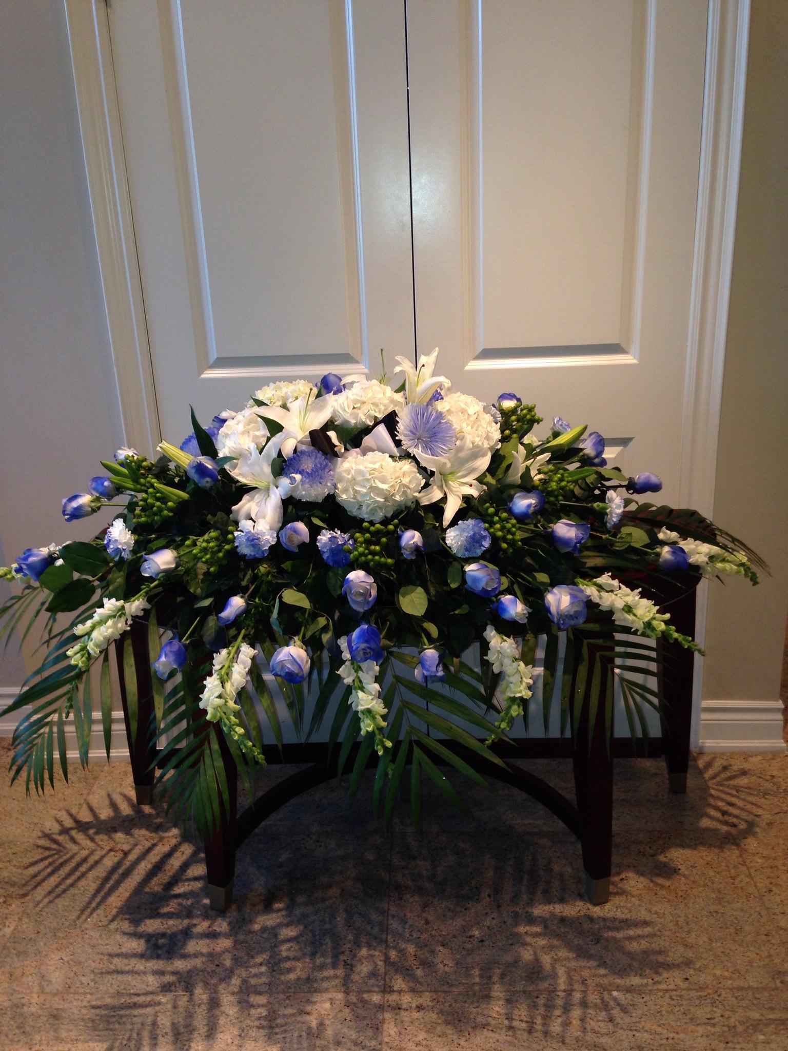 Farah Florist F-C22$350-400