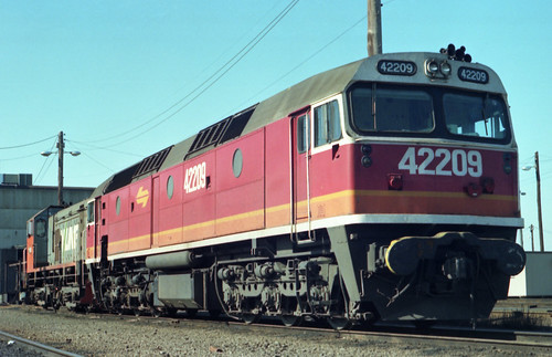 198607 687 NSWGR 42209 at Sth Dynon | by williewonker