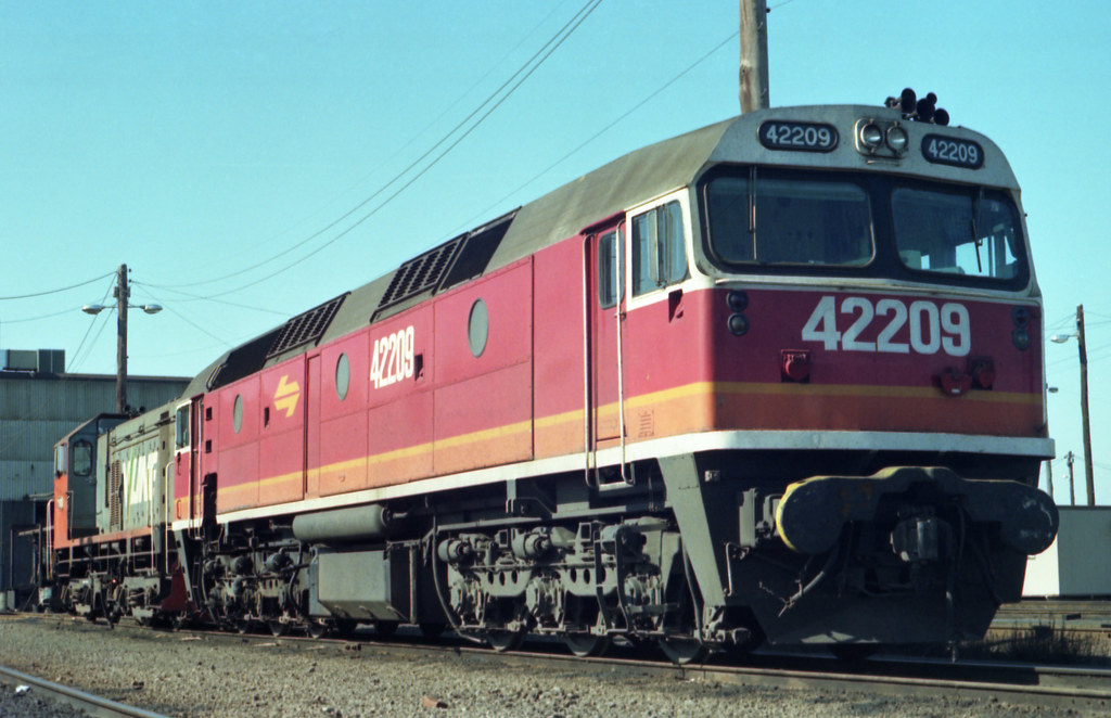 198607 687 NSWGR 42209 at Sth Dynon by williewonker