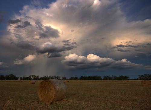 sunset storm nikon farm hay bale murray shepparton tristen d60