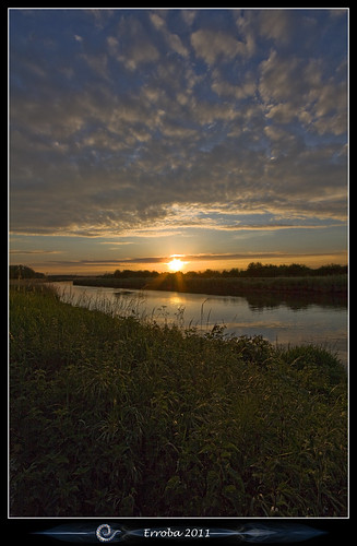 road trees sunset sky sun water grass clouds canon river evening belgium belgique belgië sigma bunker 1020mm nete erlend sintkatelijnewaver photomatix walem 1xp 60d netedijk grotenete erroba robaye