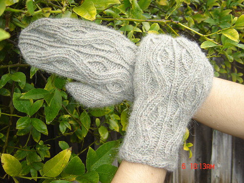 Twisted Mittens from TTL with Eastport Yarn | by RockyMoreno