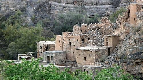 Ruined Omani village | by tomsbiketrip.com