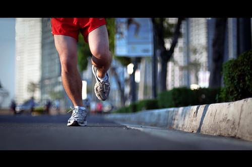 race legs running nike halfmarathon willpower winterolympics nikkor50mmf14d olympicspirit competitiveness rubbershoes project365 willtowin 5kmrace nikond90 nikepegasus cinematiceffect michaeljosh boybehindthelens drivetosucceed centurytunasuperbodsrace athleticchallenge