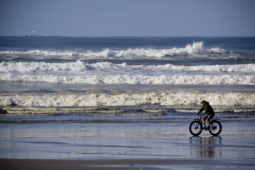ocean beach water bike oregon canon coast boat florence sand waves biker haceta 50d