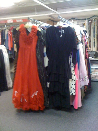 vintage store downtown dresses mainst brattleboro vt brimfield twiceuponatime