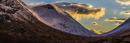 glencoe valley mountains mountain buachailleetivemor buachaille snow winter weather scotland bluesky blue fluffyclouds clouds sunset
