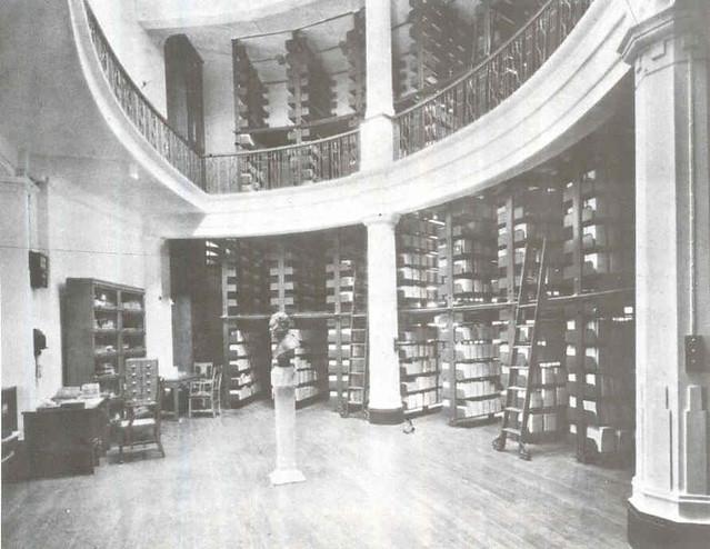 馮平山圖書館書庫(1938年)   Ronda Yuen   Flickr