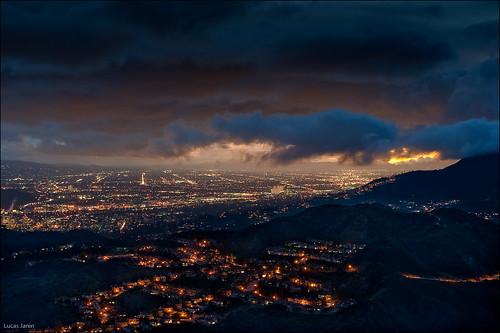 california city longexposure blue light sunset red sky orange usa cloud color night iso200 losangeles nikon glendale outdoor lumière ciel f90 burbank nikkor nuage nuit ville lightroom 70mm longueexposition 50sec nikond700 lucasjanin afsnikkor2470mmf28ged