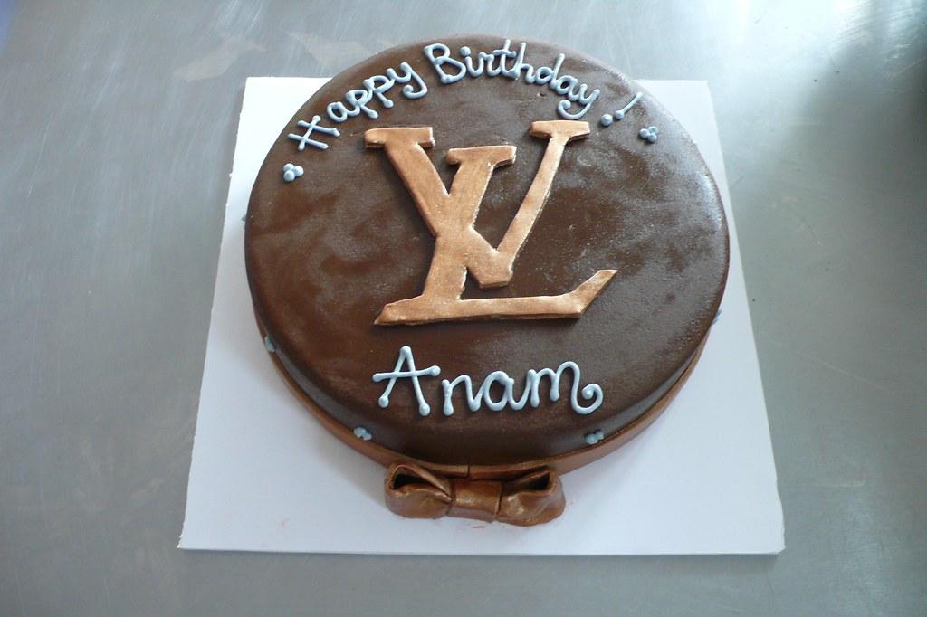 Groovy Lv Birthday Cake Louis Vuitton Inspired Birthday Cake Thi Flickr Personalised Birthday Cards Veneteletsinfo