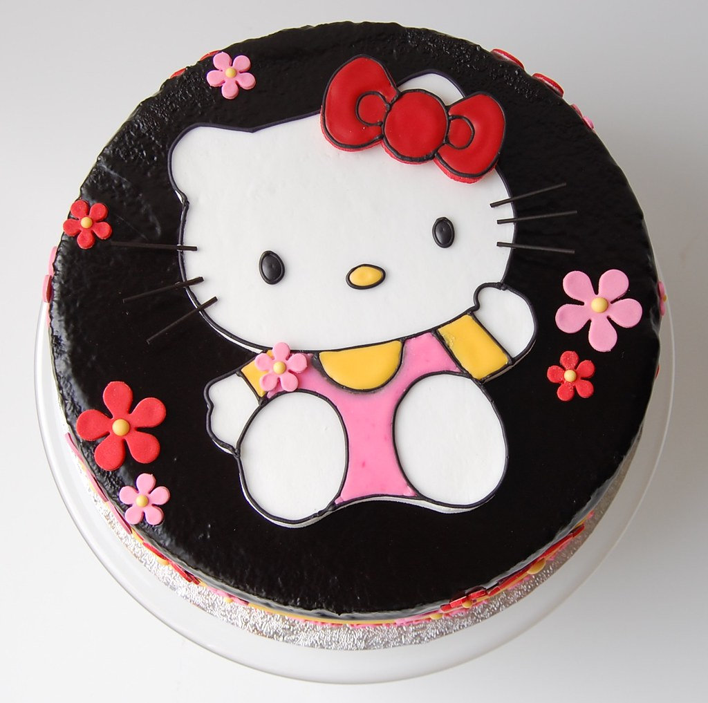 Stupendous Simones Hello Kitty Birthday Cake Top Charmchang Flickr Personalised Birthday Cards Cominlily Jamesorg