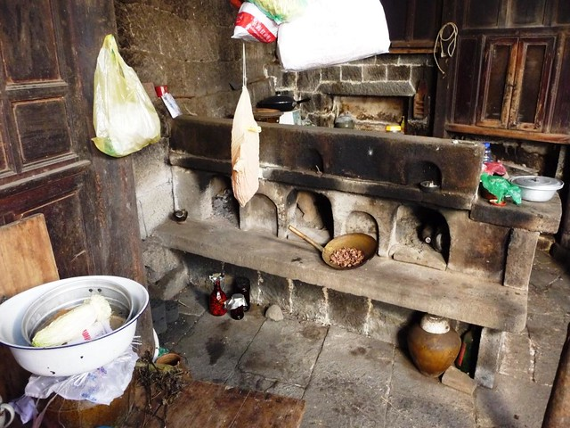 Kitchen - Old House No. 1 - Heshun Village - Yunnan, China ...