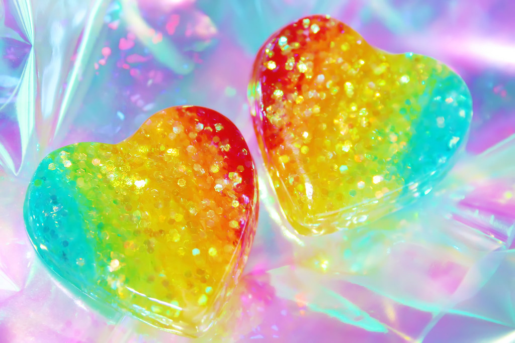 1a6babab Mirroring Rainbow Glitter Hearts   I made these so I could t…   Flickr