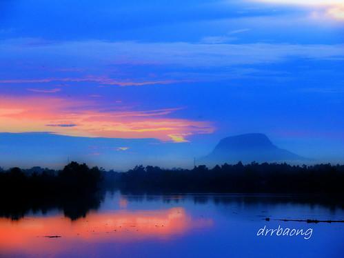 blue sunset sky river bluesky sarawak malaysia awan kuching langit langitbiru sungaisarawak awanbiru sgsarawak mygearandmepremium mygearandmebronze