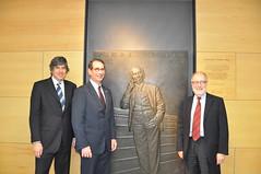 El Embajador Alan D. Solomont visita la UPF