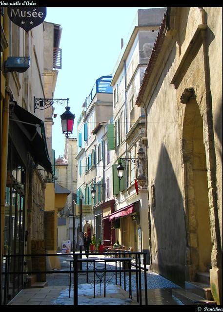 Une ruelle d' Arles