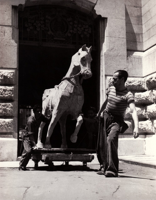 Leaving the Opera, photograph by Lola Álvarez Bravo, 1950