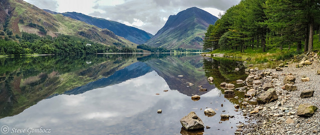 A calm Autumn day at Buttermere.