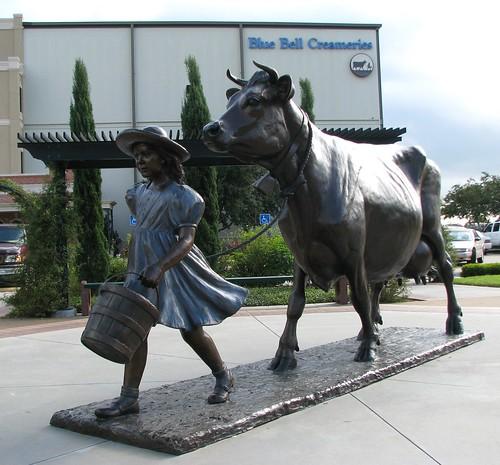 statue texas bluebell brenham washingtoncounty bluebellcreameries bluebellicecream mlhradio cowandgirl
