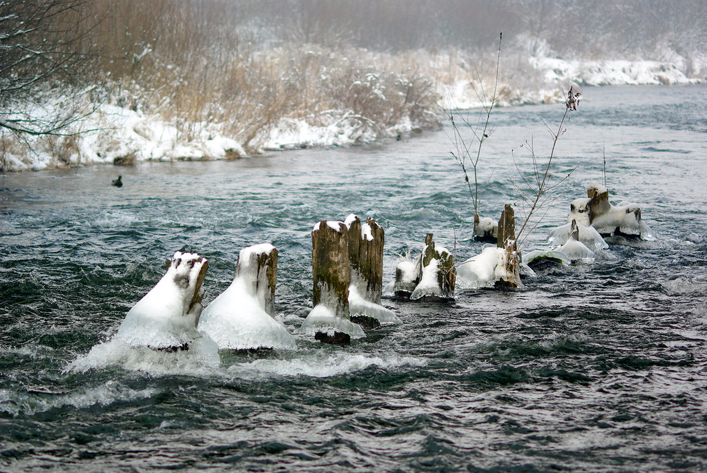 Zimowa rzeka / Wintery river