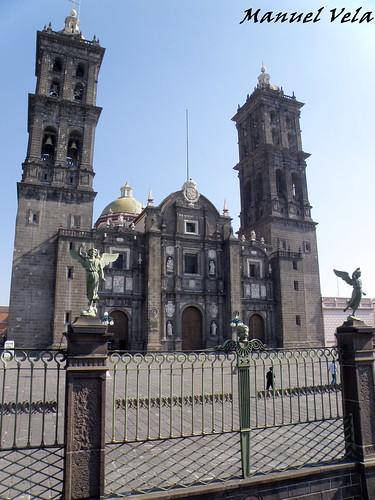 PC110361 Recorrido Turibus por Centro Histórico, Fuertes de Loreto y Guadalupe y Av. Juárez en Puebla., Puebla por LAE Manuel Vela