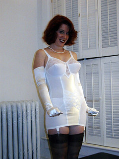 3   Lady Rita models a Smoothie for girdlebound.   Rob