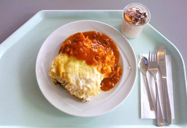 Salmon spinach lasagne with tomato basil sauce / Lachs-Spinat-Lasagne mit Tomaten-Basilikum-Sauce
