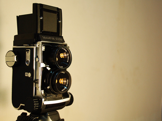 Mamiya C220 : Confession Of A Chronic G.A.S Sufferer