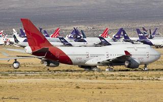 Former Qantas Boeing 747-400 VH-OJM luggage tags.